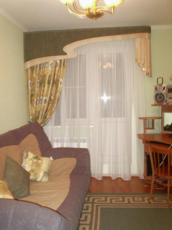 Детская комната. тюль, шелковая штора, ламбрекен.